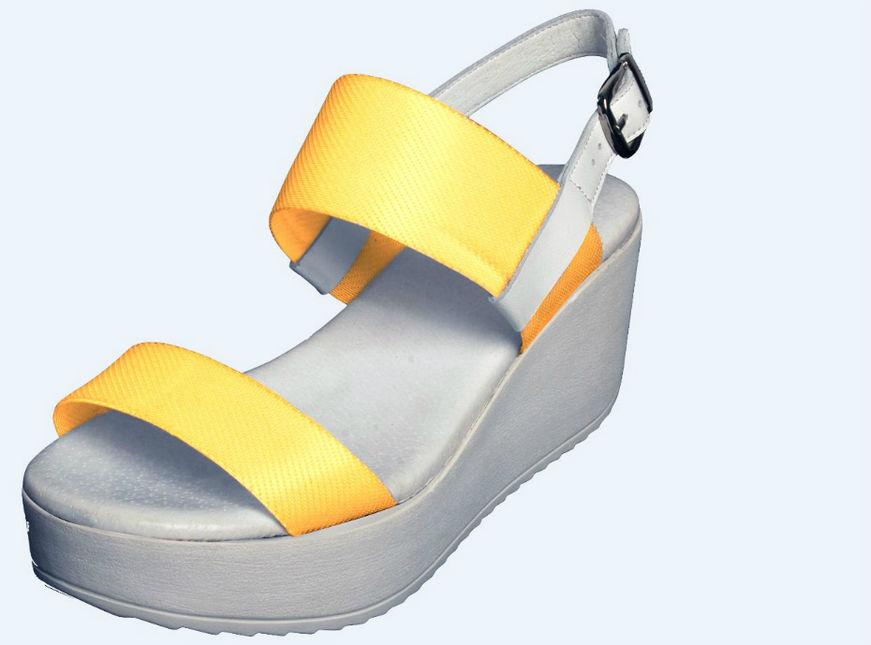 Des chaussures qui changent de couleur