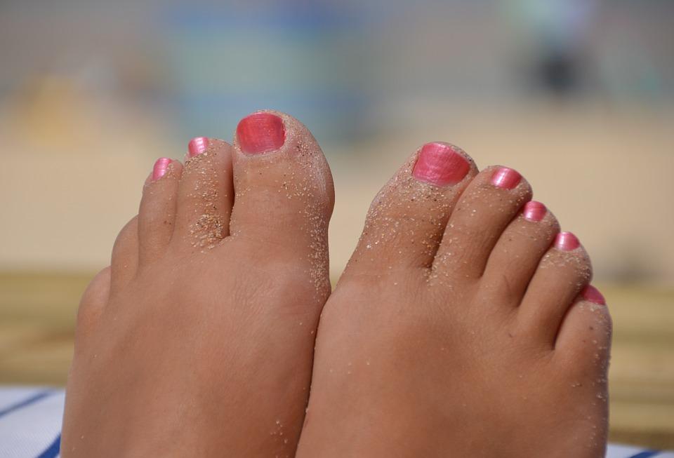 Enlevez vos chaussures et marchez pieds nus quelques heures par jour
