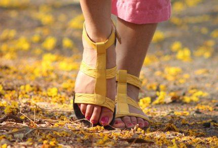 Que porter sur des sandales pour un style chic ?